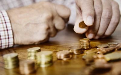 Выплаты, пенсии, новое пособие и ОСАГО - что изменится с 1 августа