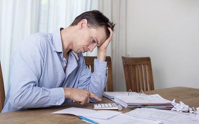 Должники поверили в массовое списание долгов