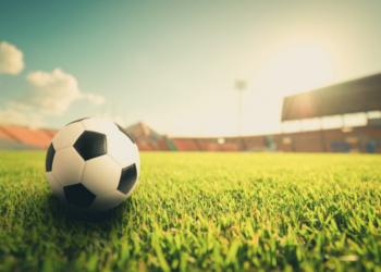 МФК «Честное слово» раздает заемщикам футбольные сувениры